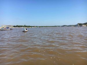 Partenza sul fiume