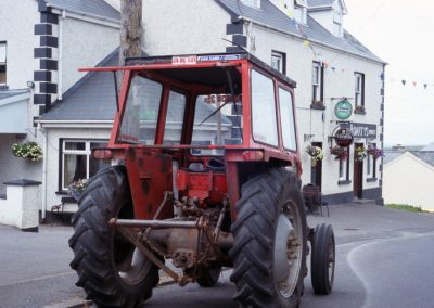 B&B with Tractor - Ireland