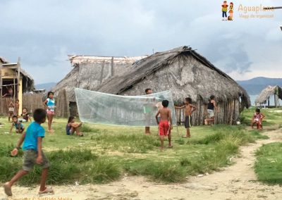 Children plays in Kuna's village 1 - San Blas Islands, Panama