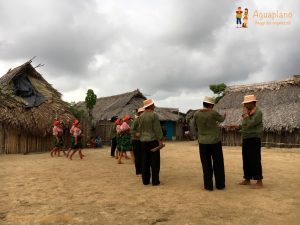 kuna s dance 2 san blas islands panama 300x225 - Colombia 2017